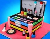 Готовим торт: коробка с косметикой