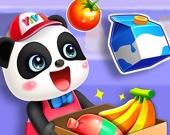 Милая панда в супермаркете